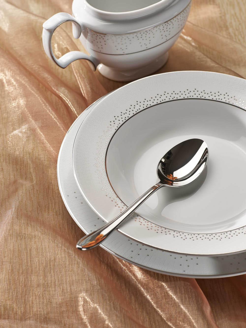 Serwis / Zestaw obiadowy na 12 osób porcelana MariaPaula Snow
