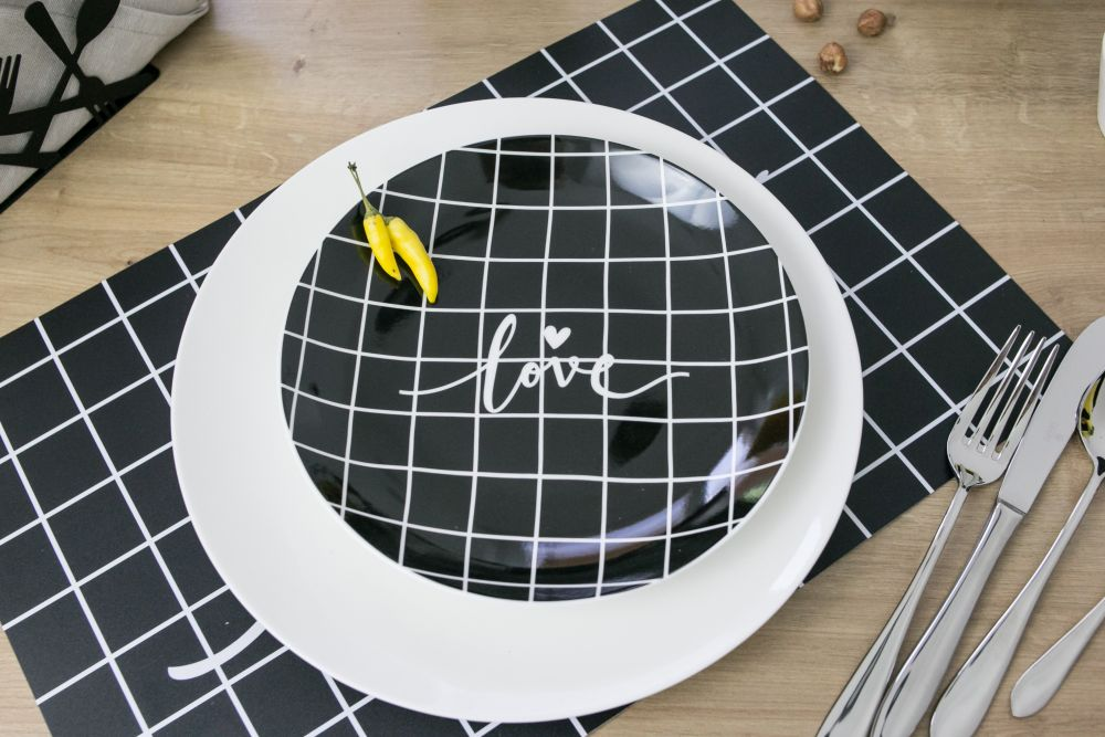 Talerz deserowy porcelanowy Altom Design Miłość w kratkę 20 cm (2 wzory)