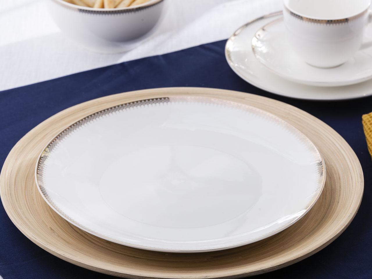 Talerz obiadowy płytki porcelanowy Altom Design Bella Złota Girlanda 26 cm