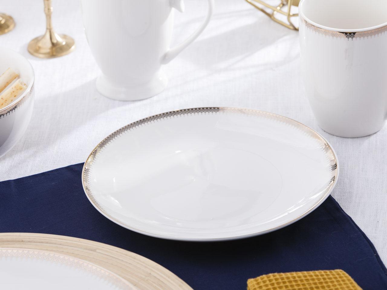 Talerz deserowy porcelanowy Altom Design Bella Złota Girlanda 20 cm