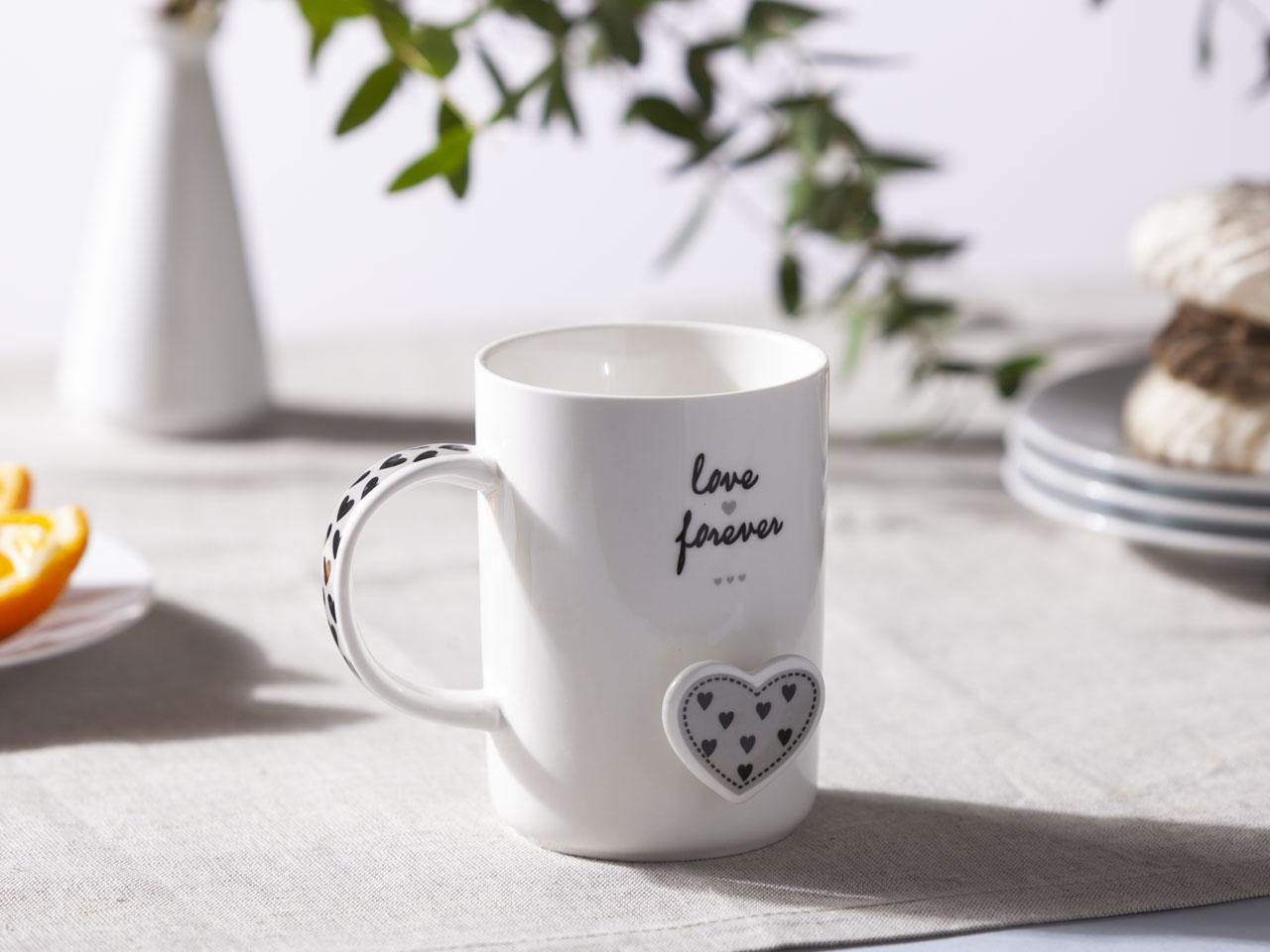 Kubek porcelanowy z łyżeczką Altom Design Forever Love dek. Szare Serce 360 ml (opakowanie prezentowe)