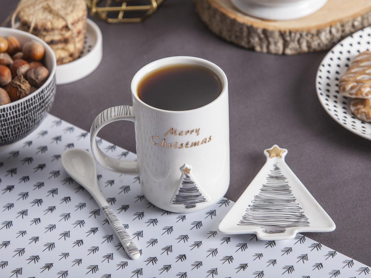 Kubek do kawy i herbaty porcelanowy z łyżeczką i podstawką święta Boże Narodzenie Altom Design Nordic Winter dek. Choinka 360 ml