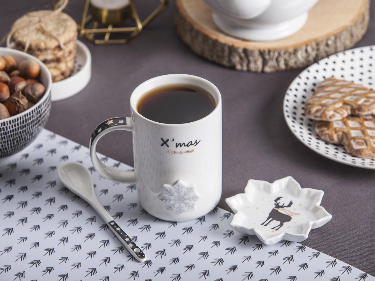 Kubek do kawy i herbaty porcelanowy z łyżeczką i podstawką święta Boże Narodzenie Altom Design Nordic Winter dek. Renifer 360 ml
