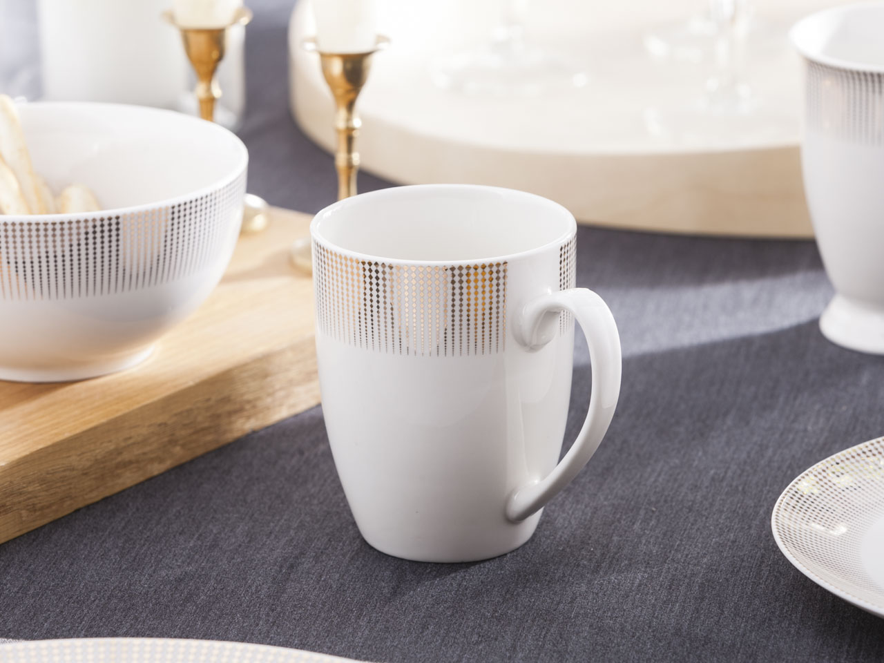 Kubek do kawy i herbaty z porcelany Altom Design Bella Złote Romby 300 ml