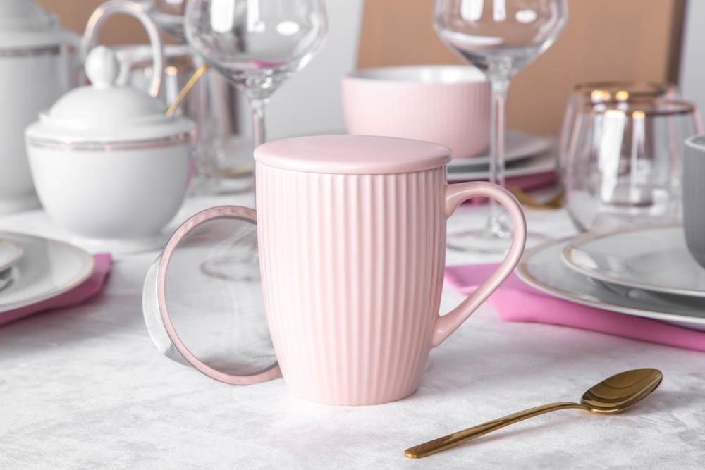 Kubek porcelanowy z zaparzaczem stalowym i pokrywką Altom Design Ballerina 300 ml różowy
