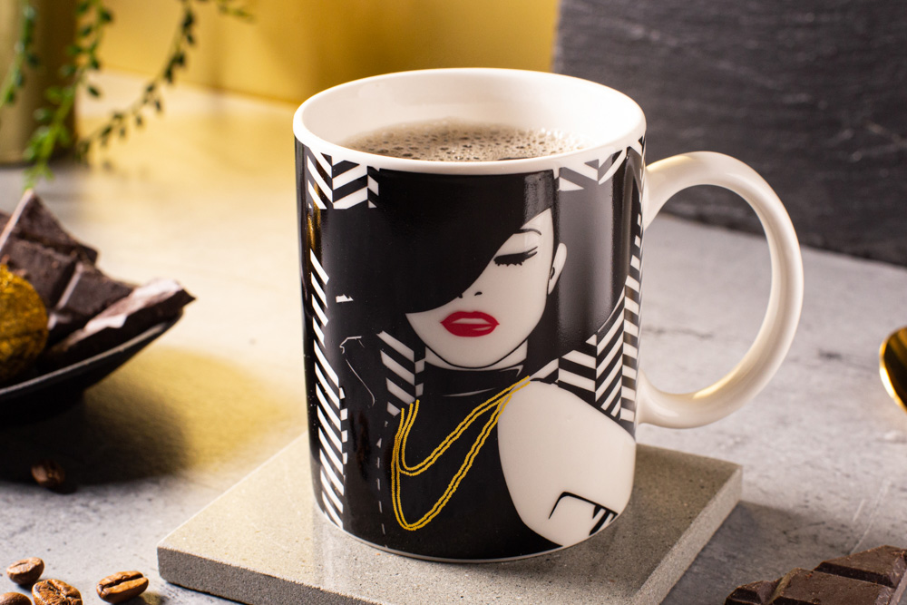 Modern Woman changing colors straight mug 300 ml dec. C NBC