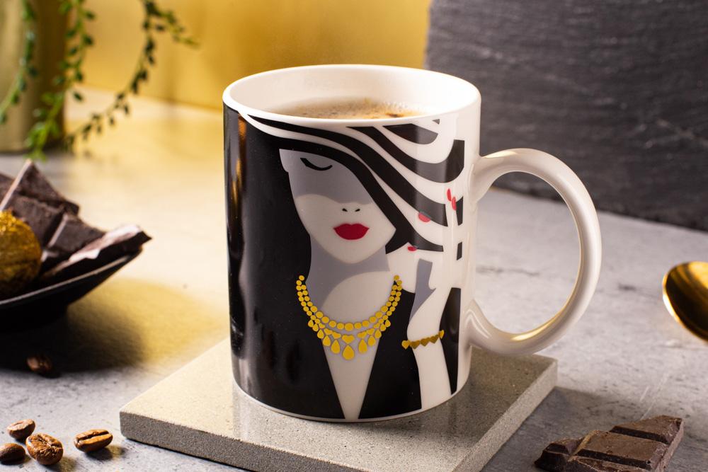 Modern Woman changing colors straight mug 300 ml dec. D NBC