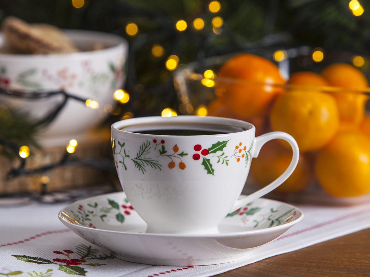 Filiżanka do kawy i herbaty świąteczna ze spodkiem porcelanowa Boże Narodzenie Altom Design Joy 200 ml