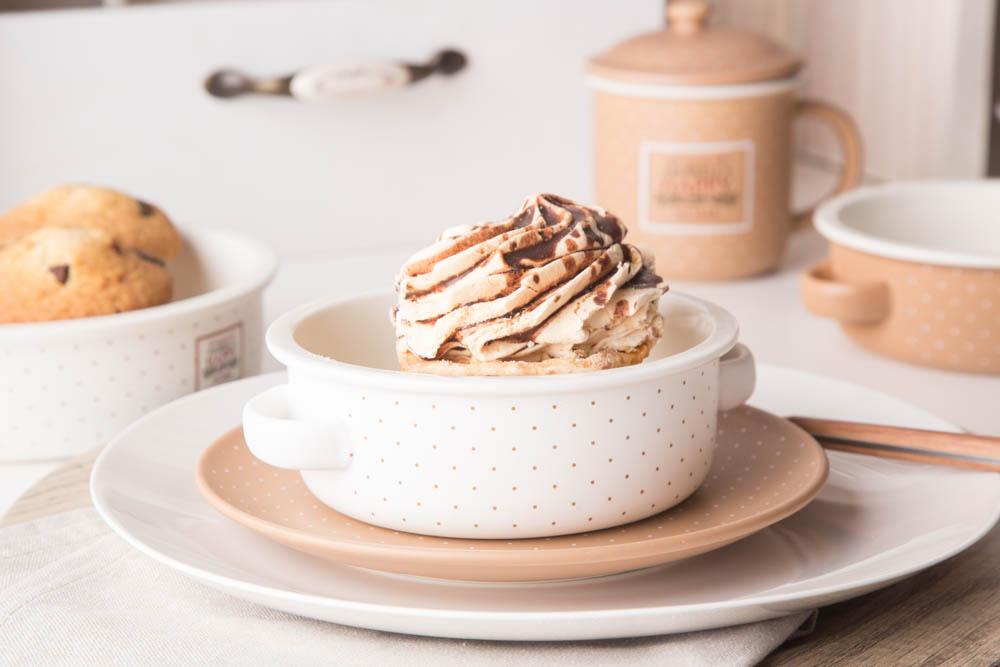 Kokilka porcelanowa / małe naczynie do zapiekania / ramekin Altom Design Happy Home 14 cm okrągła, kremowa w kropki