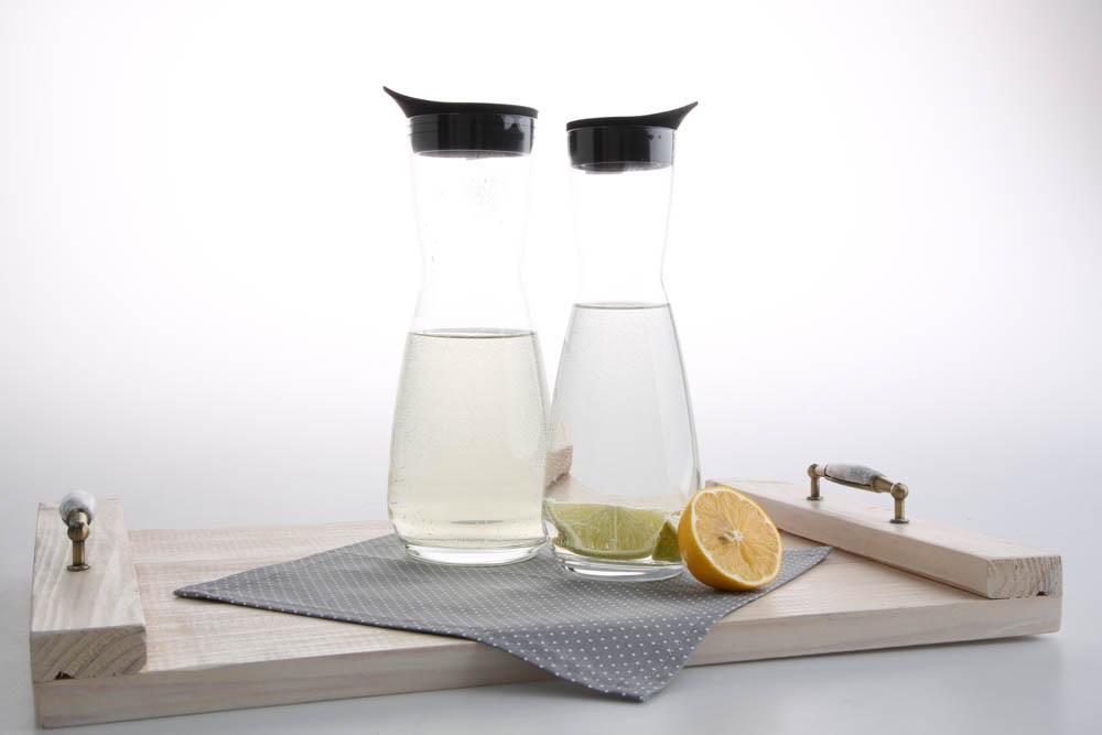 Karafka do wody / soku Royal Leerdam z silikonowym korkiem 700 ml