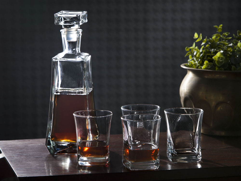5pcs set whisky decanter 0,75l + 4pcs glass 280ml