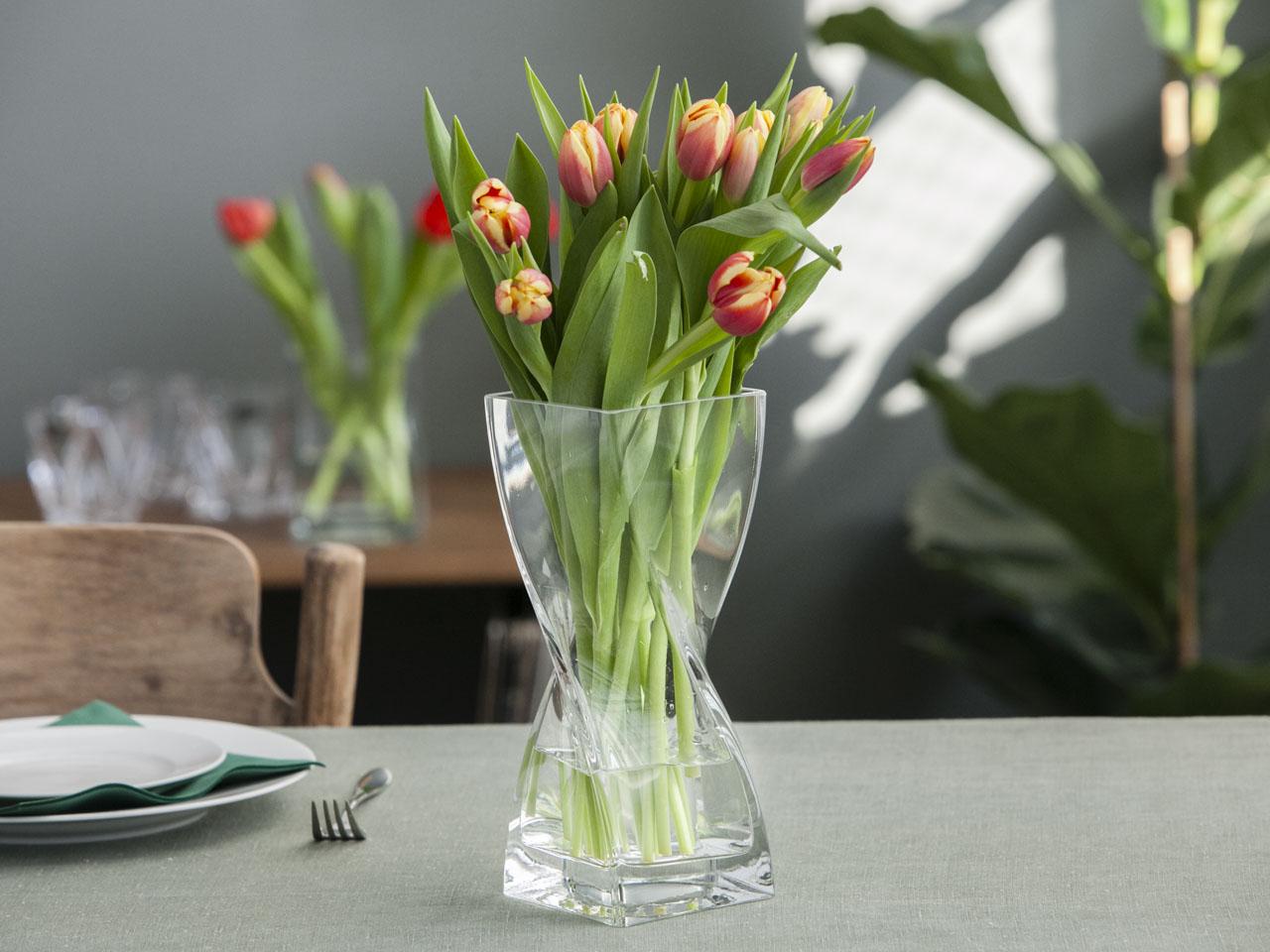 Wazon szklany na kwiaty skręcony 25 cm