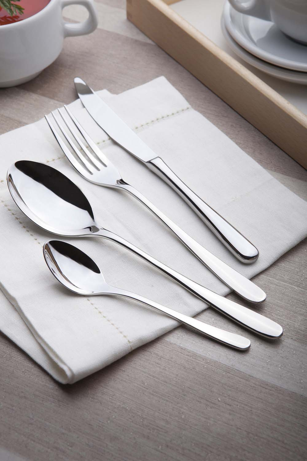 Venus 24 pcs cutlery set polished flock