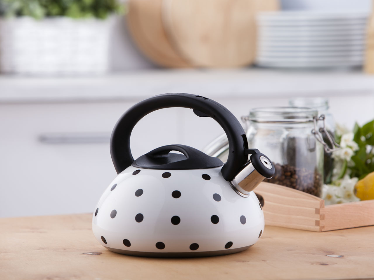 Stainless steel whistling kettle Kameleon 3,0l.