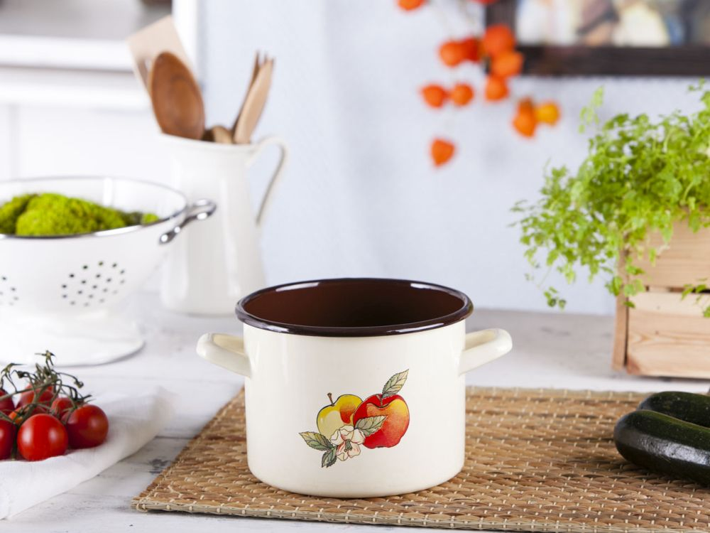 Straight pot 2,2l dia.16cm h.12cm cream dec.Apple/inside dark
