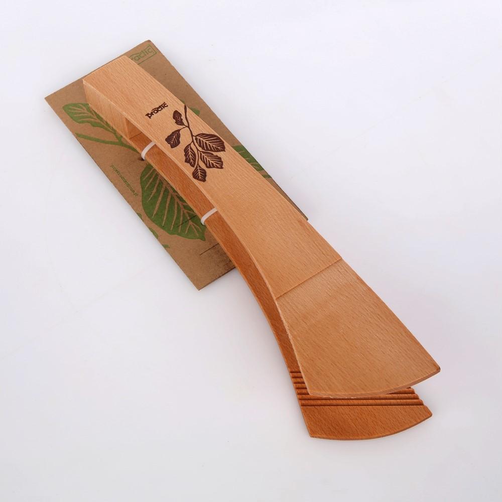 Szczypce drewniane do ogórków z listkiem