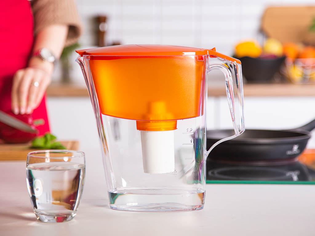Dzbanek filtrujący wodę Aquaphor B100-15 standard pomarańczowy + wkład 2,5 l