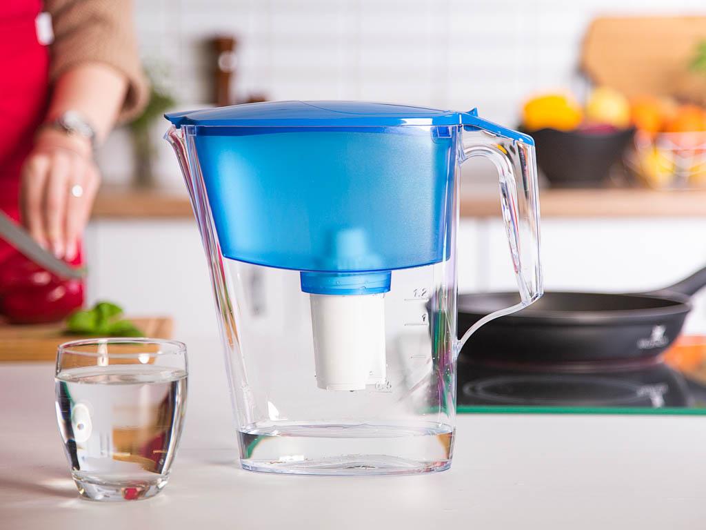 Dzbanek filtrujący wodę Aquaphor B100-15 standard niebieski + wkład