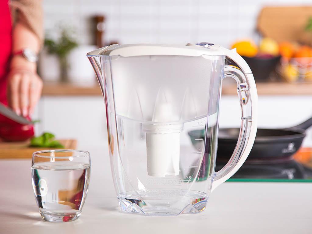 Dzbanek filtrujący wodę Aquaphor B100-15 ideal biały + wkład 2,8 l