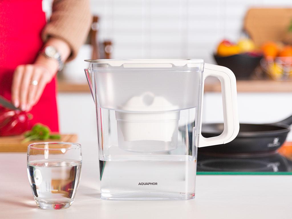Dzbanek do wody filtrujący z wkładem Aquaphor Kompakt B100-25 Biały 2,4 l