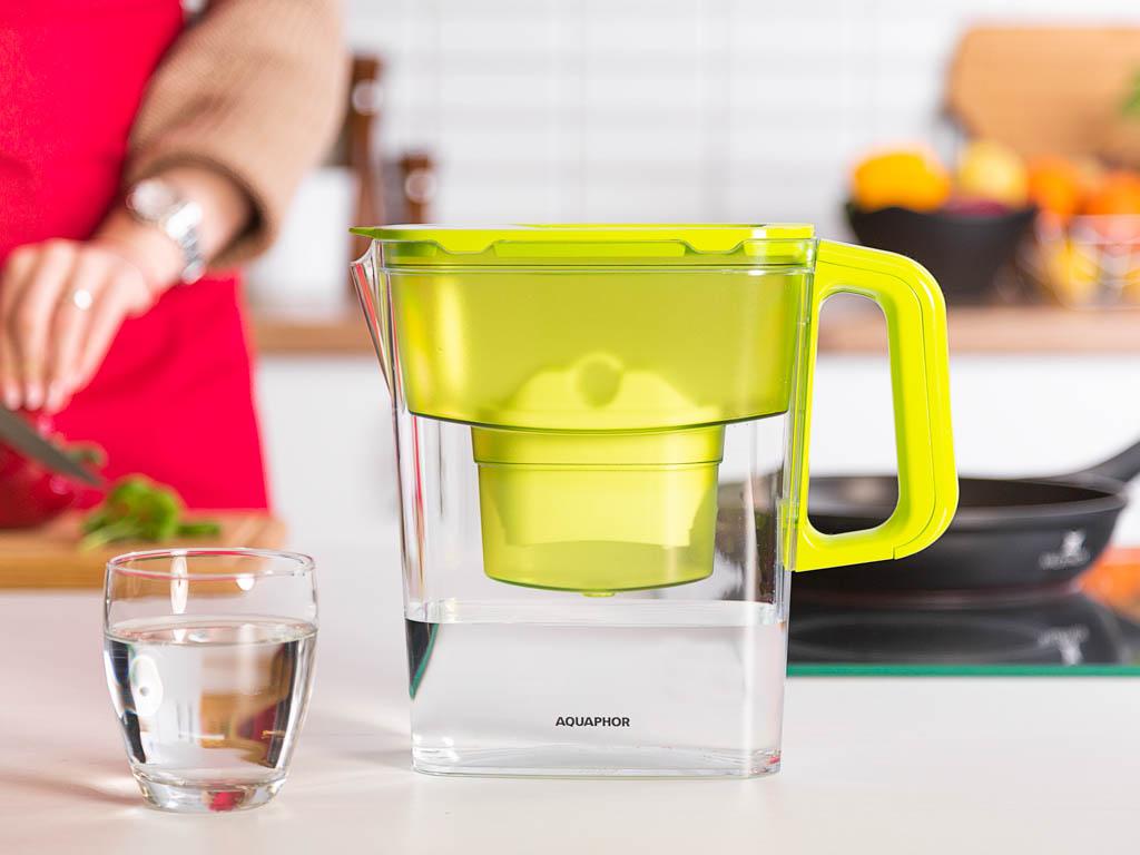 Dzbanek do wody filtrujący z wkładem Aquaphor Kompakt B100-25 Limonka 2,4 l