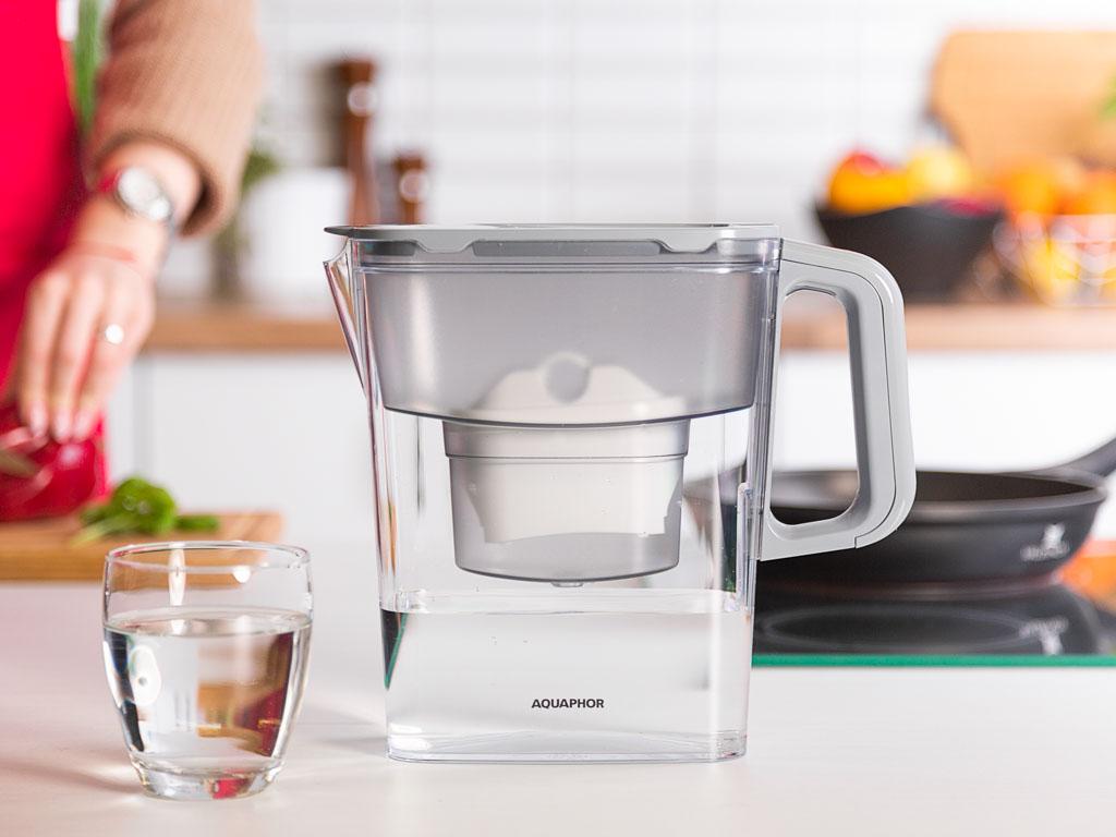 Dzbanek do wody filtrujący z wkładem AquaphorKompakt B100-25 Popielaty 2,4 l