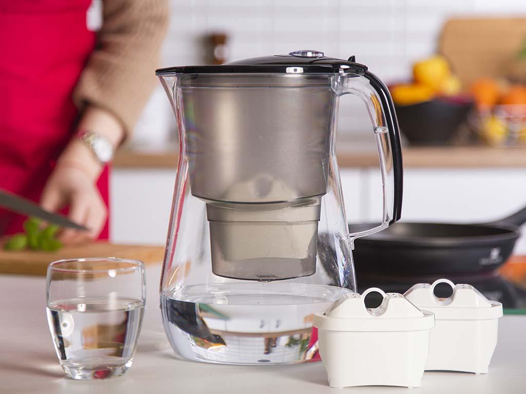 Dzbanek filtrujący wodę z wkładem magnezowym Aquaphor Onyx, B100-25 4,2 l Czarny (3 wkłady)