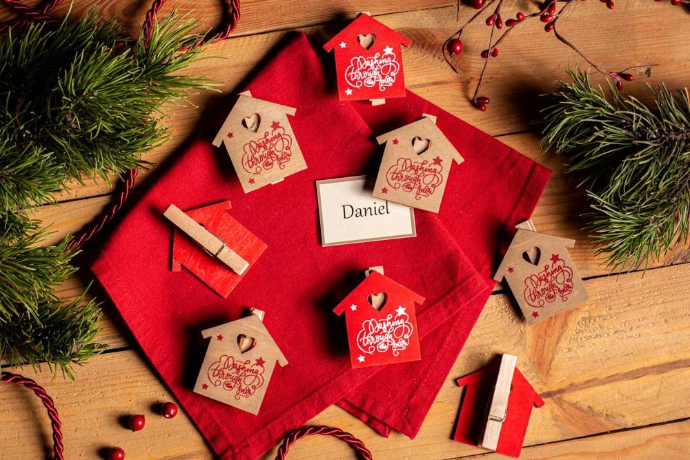 Klamerki / zapinki drewniane świąteczne Boże Narodzenie Altom Design Domki 28x16x1,5 cm (8 sztuk)
