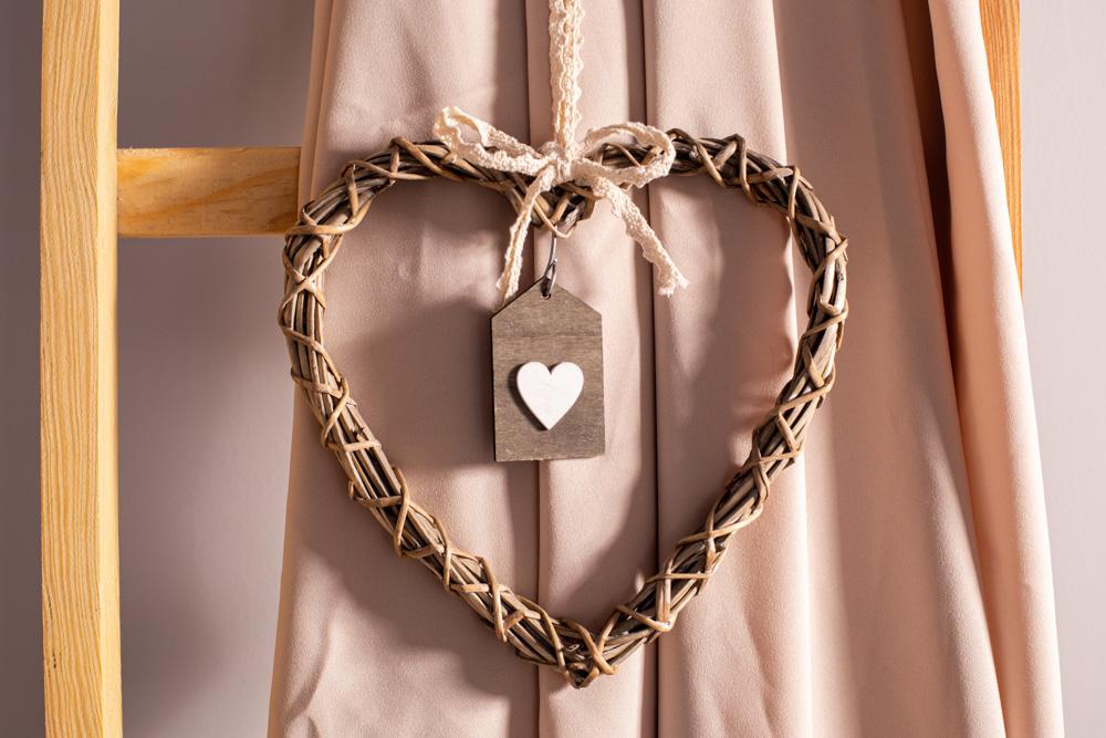Ozdoba / zawieszka wiklinowa Altom Design serce brązowe 25 cm