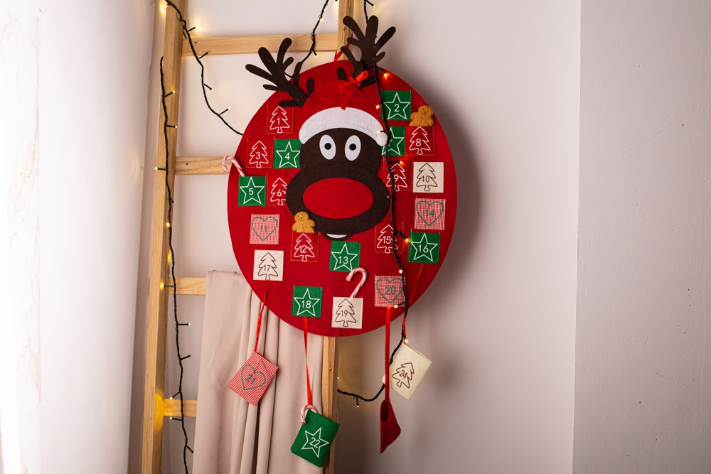 Kalendarz adwentowy z filcu świąteczny Boże Narodzenie Altom Design 50x60 cm