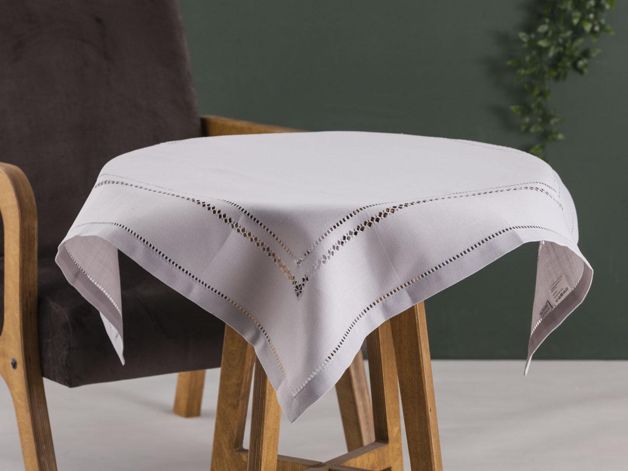 Obrus / serweta na stół Altom Design Popiel wykończenie ażurowe 80x80 cm